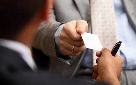 در این مطلب به نکاتی در مورد اطلاعات مهم بر روی کارت ویزیت پرداخته ایم که امیدواریم مفید واقعا شود. 1) همه اطلاعات مهم را قرار دهید...